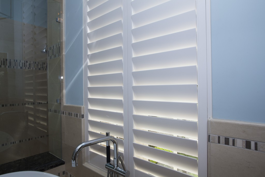 Blinds shutters shades dallas plano allen frisco6 different types of shutters for your - Types shutters consider windows ...